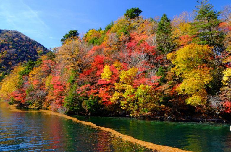 日光中禅寺湖畔